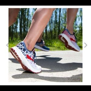 Brooks Launch 6 2019 Old Glory edition